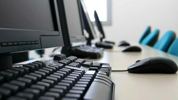 I sette club Rotary dell'Area estense donano 23 personal computer alle scuole